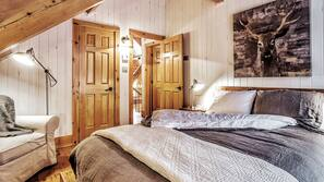 5 bedrooms, premium bedding, iron/ironing board, free WiFi