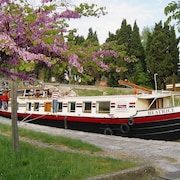Barge Beatrice cruises on the Canal du Midi