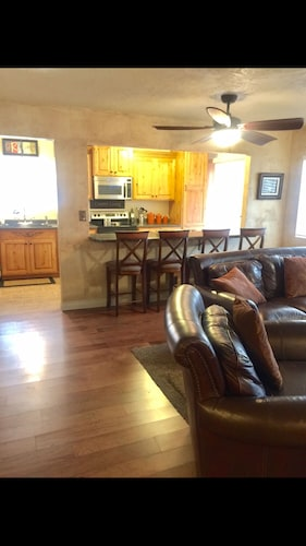 Clean & Comfy Home Away From Home! Hot Tub, no Stairs: 2018 Room ...