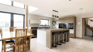 洗碗机、茶具/咖啡用具、高脚椅、厨具/餐具