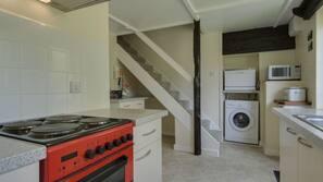 Dishwasher, cookware/dishes/utensils