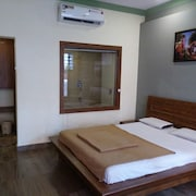 ROYAL HOTEL  - MATHERAN