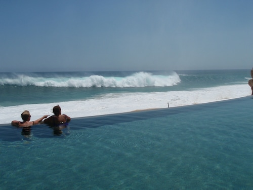 Ocean Front High End Time Share Property in Cabo San Lucas