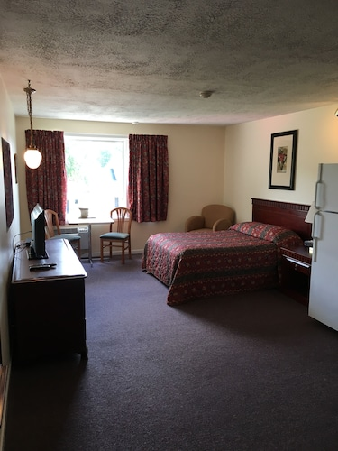 Great Place to stay Fort Nashwaak Motel near Fredericton