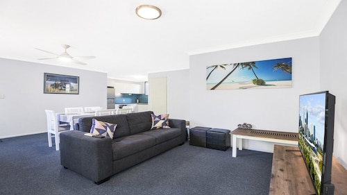 Tugun Palms Holiday Villa
