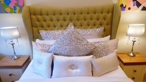 Egyptian cotton sheets, premium bedding, soundproofing, free WiFi