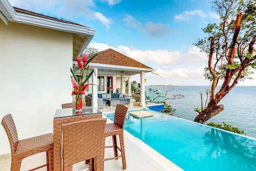 NEW Listing! Oceanfront Villa W/breathtaking Ocean Views & Gorgeous Private Pool