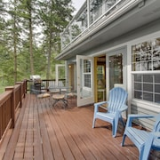 Ski-in/ski-out From This Dog-friendly Home w/ a Deck, Firepit, & Sound Views