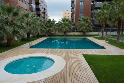 EnjoyGranada EMIR 3F PISCINA GYM & Parking