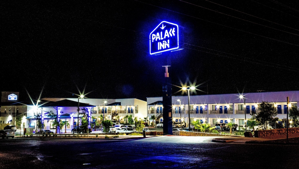 Front of Property - Evening/Night, Palace Inn