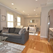 Excellent Location in Georgetown, Walk to Downtown DC, Monuments, Dupont Circle!