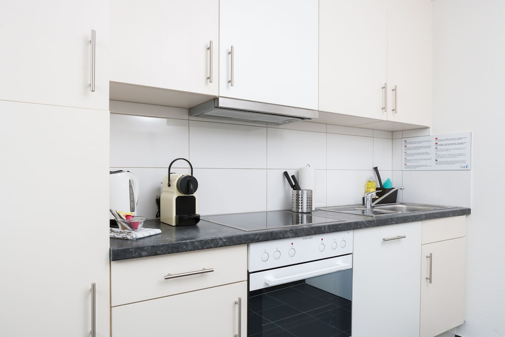 Private Kitchen, Galaxy Apartments