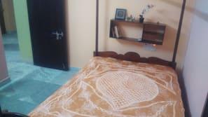 2 soverom, strykejern/-brett, internettilgang og sengetøy