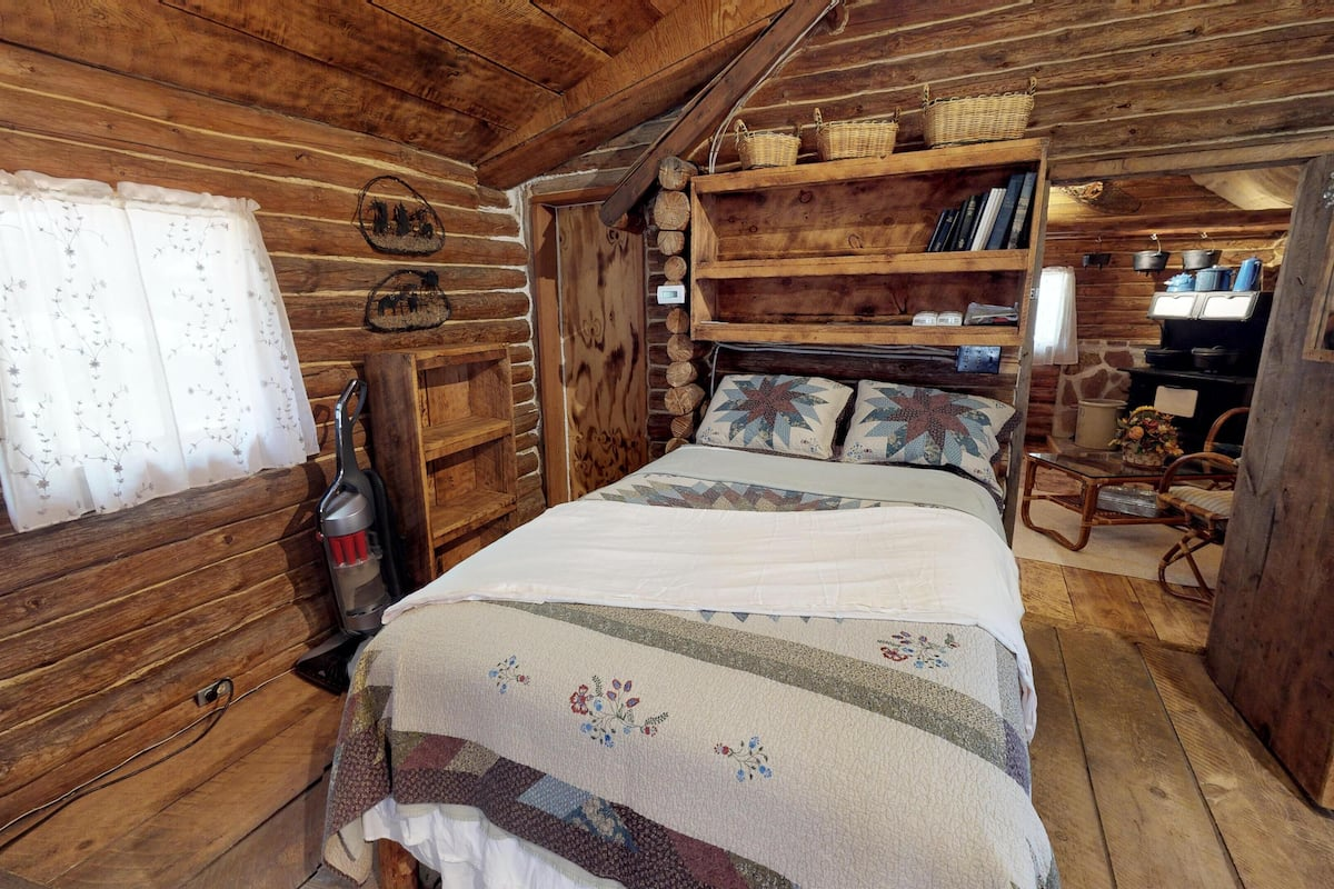 Authentic Western Log Cabin With Full Kitchen Baths More 2021 Room Prices Deals Reviews Expedia Com