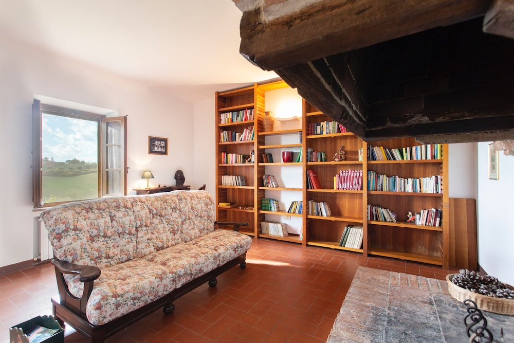 Beautiful Farmhouse Nestled in Sweet Hills Just Minutes From ...