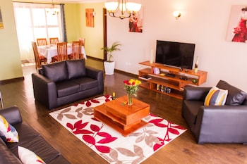 Huku Qwetu C5 City Breeze Apartment