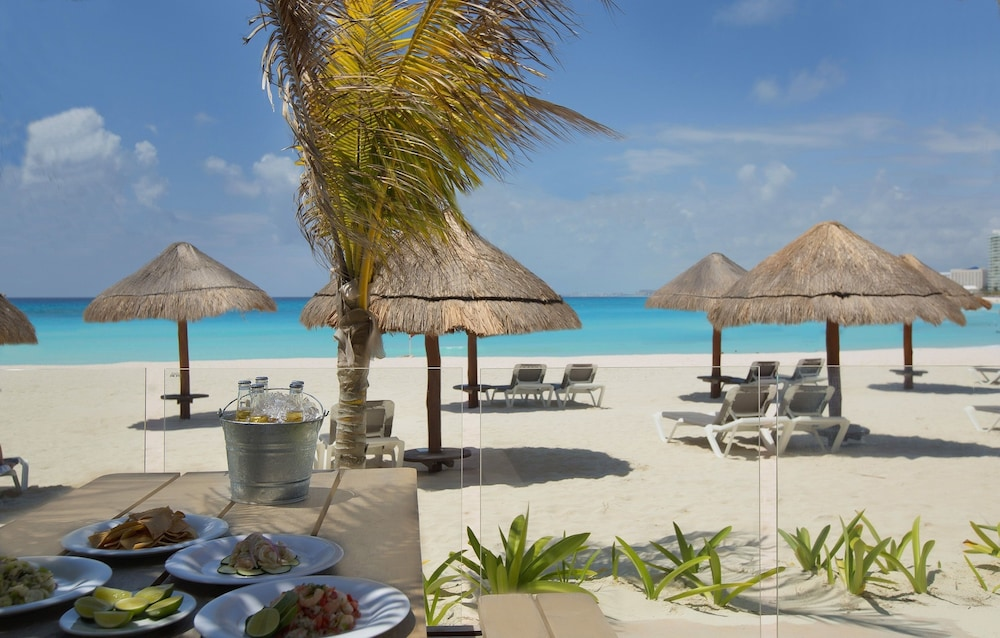 Snack Bar, Reflect Krystal Grand Cancun - Optional All Inclusive