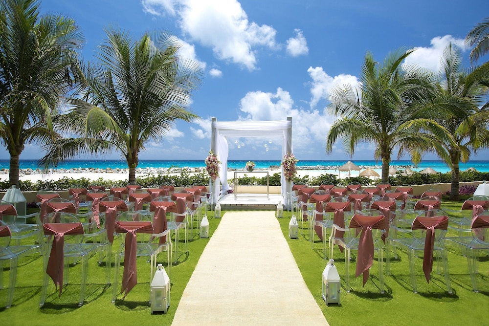 Outdoor Wedding Area, Reflect Krystal Grand Cancun - Optional All Inclusive