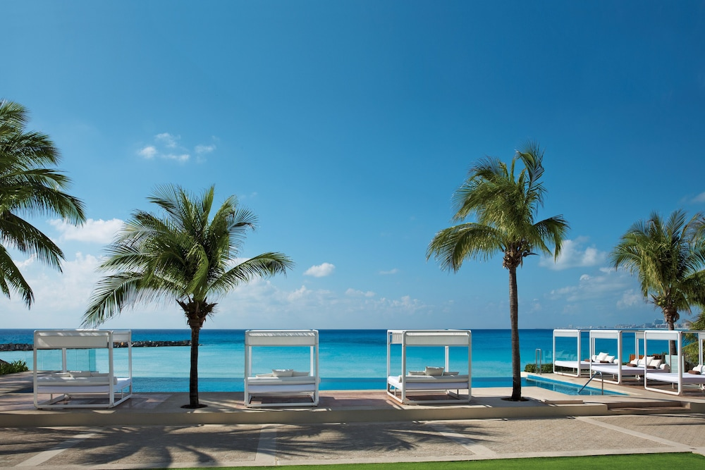 Infinity Pool, Reflect Krystal Grand Cancun - Optional All Inclusive