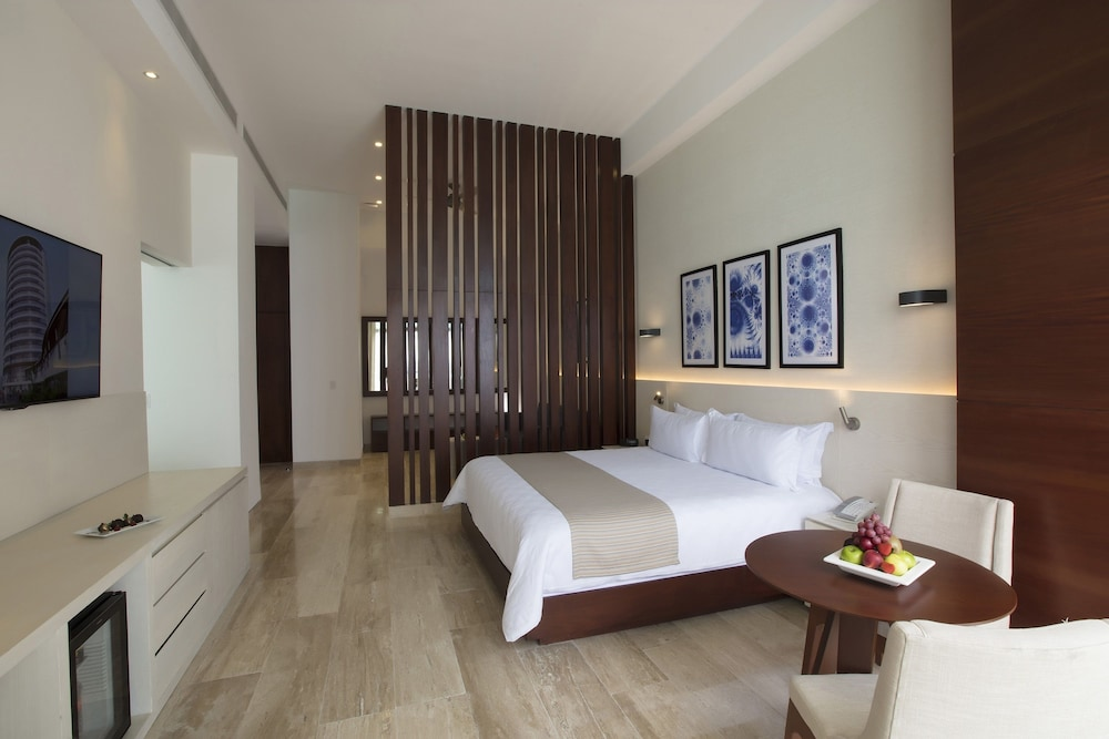 Room, Reflect Krystal Grand Cancun - Optional All Inclusive