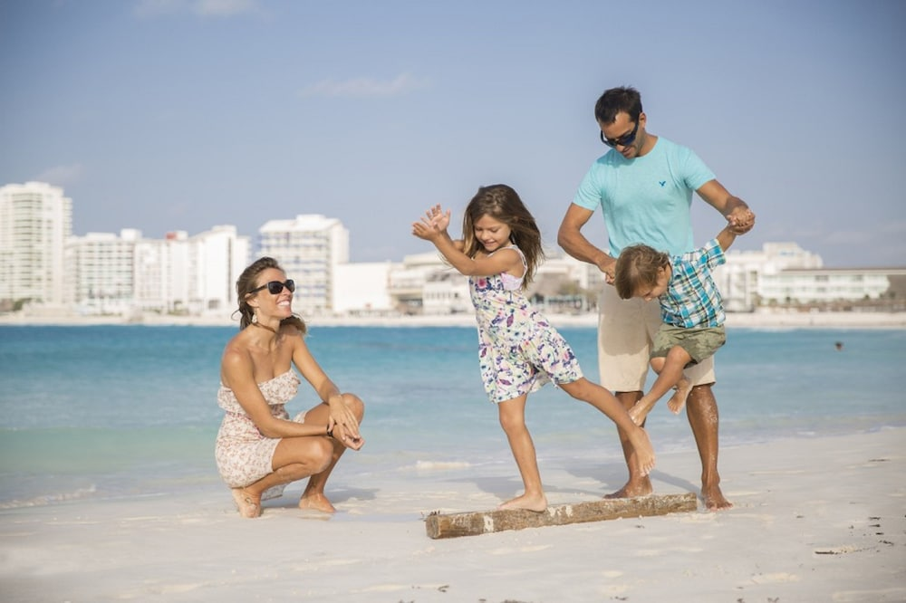 Yoga, Reflect Krystal Grand Cancun - Optional All Inclusive