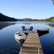 Charming Lakefront Cottage; Boat, Swim, Fish, Hike, Bike, Golf, Majestic Views