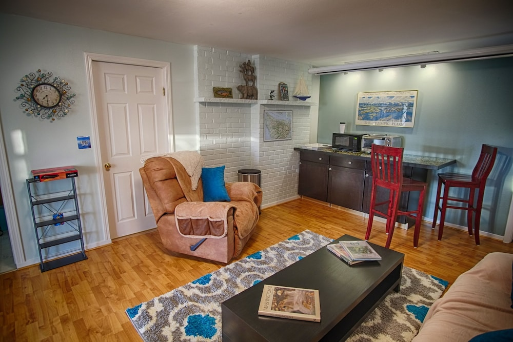 Poulsbo Marina And Olympic View Hideaway: 2018 Room Prices $99, Deals U0026  Reviews | Expedia