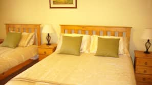 2 bedrooms, iron/ironing board, cribs/infant beds, WiFi