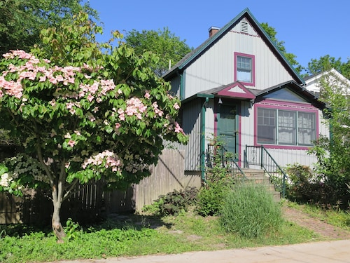Great Place to stay Cute In-town Cottage near Bar Harbor