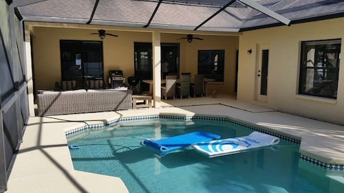 Great Place to stay Newly Remodeled Pool Home 15 min From Busch Gardens/airport/beach near Tampa