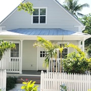 Sea Breeze Cottage in Truman Annex Location! Location! Location!