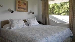 5 bedrooms, iron/ironing board, travel crib, free WiFi