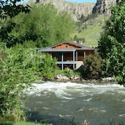 Private Access to Stillwater River! Quiet, Pristine Cabin With Stunning Views!