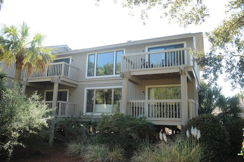 Reduced Fall Rates!!! 5 Star 2br Condo