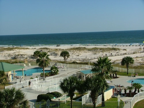 Beach Front Resort - 2 Br/2 BA - Newly Updated FOR 2019