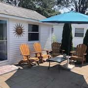 Misquamicut Westerly Secluded Beach Cottage 2018 Remodeled and Upgraded