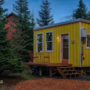 A Private Tiny Home in Oregon Wine Country / SW Portland