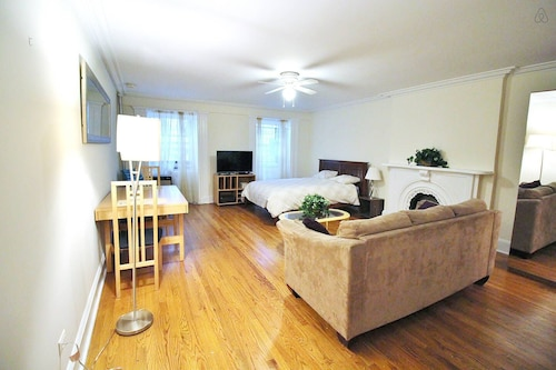 Union Square Furnished Studio for 2!!