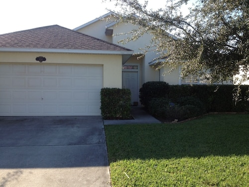 Upgraded!, Affordable, Quiet, Relaxing, Close to the Beach in Sunshine State