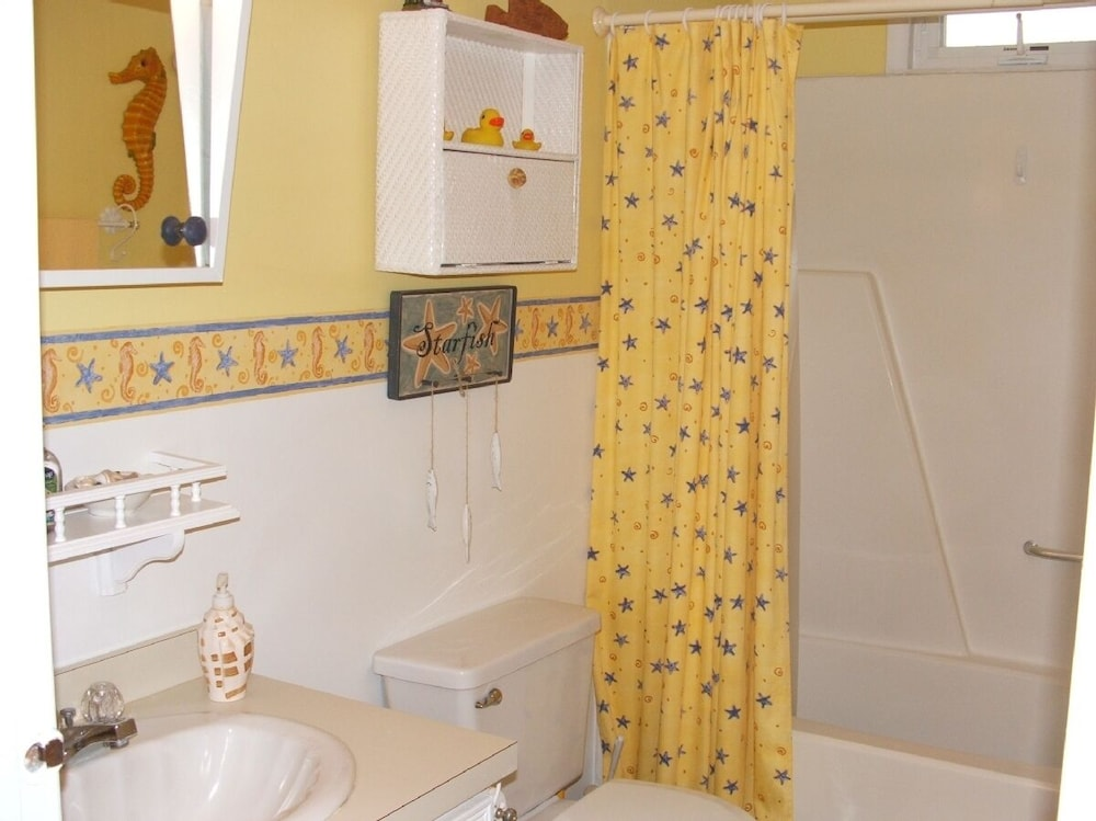 Bathroom, We Provide Towels & Bed Linens, Beach Tags, Paper Products. House Well Stocked