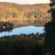 Peaceful Berkshires Year-round Retreat House - Mountain and Lake Sunsets