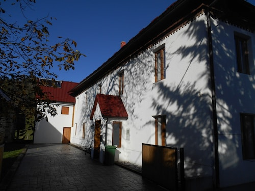 Sleeps 12 Farmhouse on the Beautiful Šentviška Planota