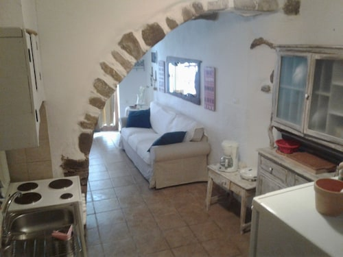 A Lovely Nest set in an Alley of Lefkogia Village, 2km Away From 4 Beaches!