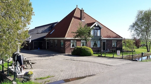Farm Noord-hollands Hof Dream Apartment in Farmhouse for 1-4 Persons