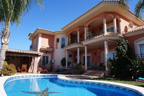 Villa Elísabeth, Luxury With Private Heated Pool