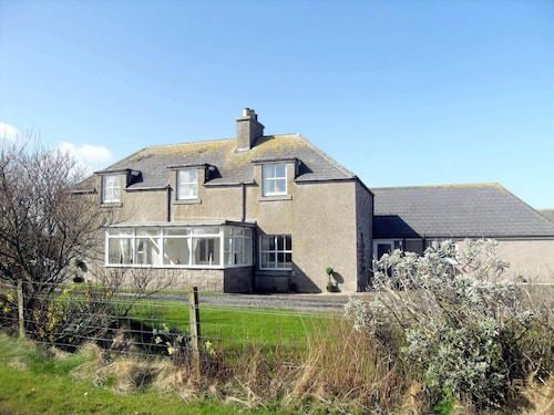 Luxury Self-catering Traditional Family Farmhouse in John Ogroats, Caithness