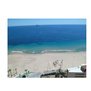 Beautiful Apartment of 115 m2, Facing the Sea, With Incredible Views. Central