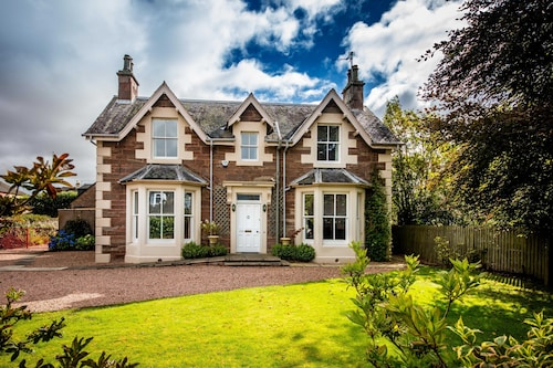 Luxury, 5 Star Holiday Villa in Blairgowrie
