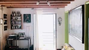2 chambres, fer et planche à repasser, Wi-Fi, draps fournis