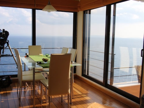 Superb Beachfront House Safe and Quiet Ideal for Your Holidays